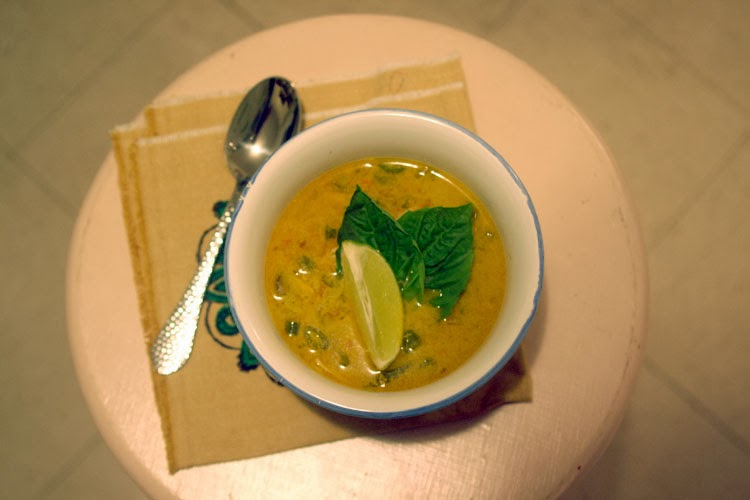 Thai Chicken Soup | hardparade.blogspot.com