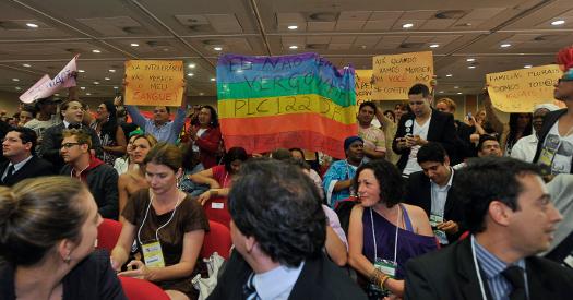 Vereadores do Rio de Janeiro são pressionados a aprovarem kit gay nas escolas