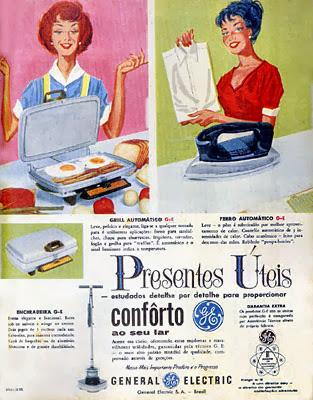 Propaganda com dicas de presentes úteis da General Eletric nos anos 60.