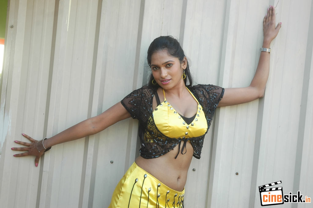 Beautiful Actress Hot Gallery | Tamil Serials Online,Suntv Serial ...