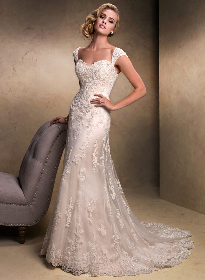 Outstanding Lace Wedding Dress 660 x 900 · 391 kB · jpeg