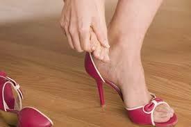 Πως θα ανοίξω τα στενά παπούτσια;
