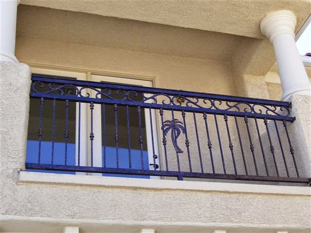 Balcony grill design ideas freshnist design for Terrace railing