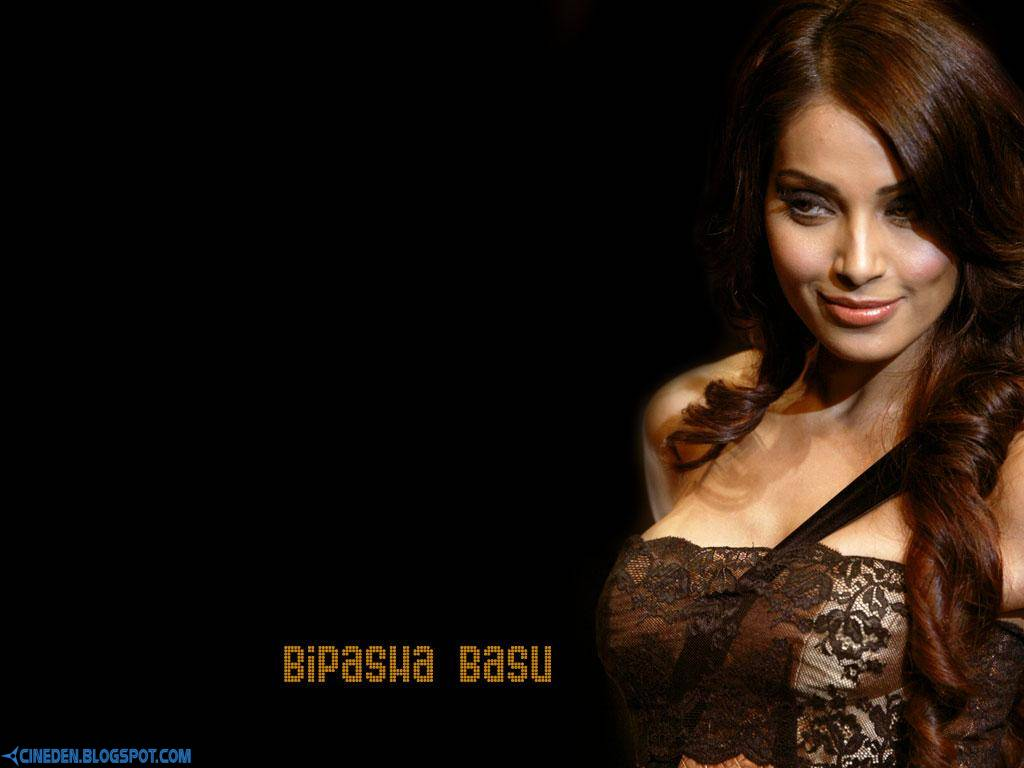 Bipasha Basu uses own fitness DVD for workout