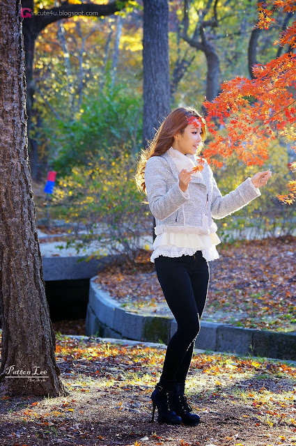 5 Beautiful Lee Da Hee outdoors - very cute asian girl-girlcute4u.blogspot.com