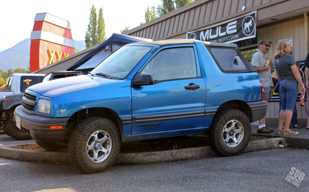 Lifted blue Chevrolet Tracker