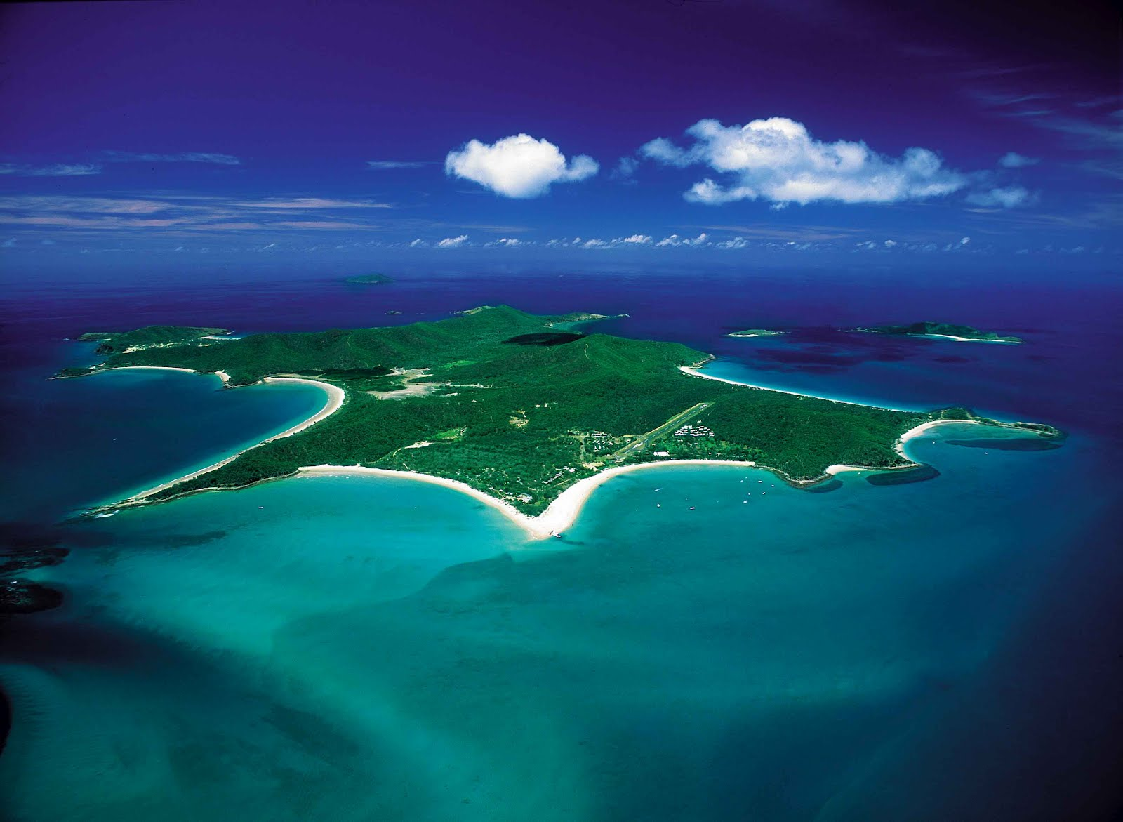 great keppel island Ferry transfers to the magnificent great keppel island depart twice daily the journey takes approximately 30 minutes and upon arrival to gki you will be dropped at.
