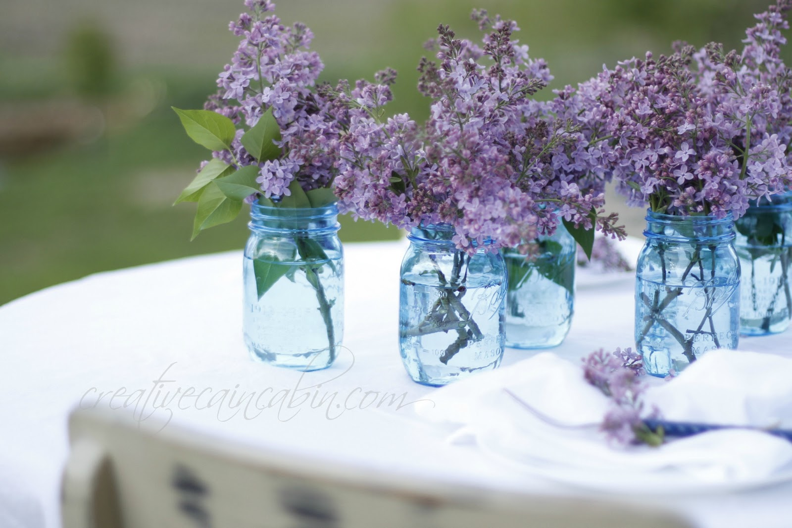 Use Lilac's to Create an Easy Centerpiece - Creative Cain Cabin