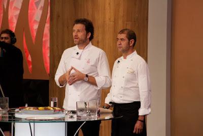 Carlos Bertolazzi e o chef espanhol Jorge Andrés - Crédito: Divulgação/SBT