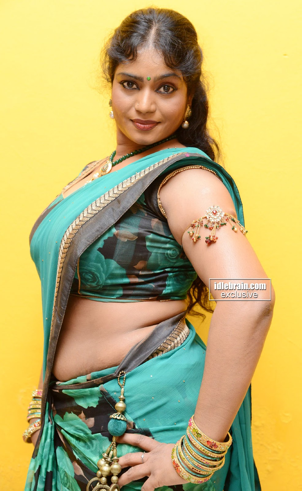 bra saree indian old tamil aunty