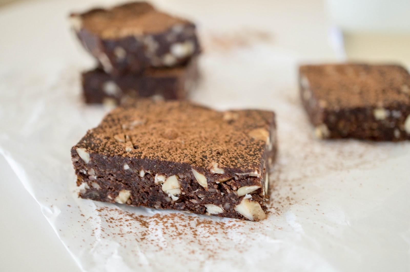 """Raw """"Brownies"""" or The Best Healthy Snack Bar"""