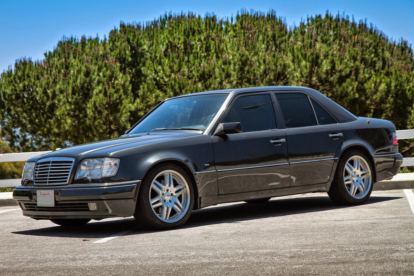 Mercedes benz w124 e500 brabus style benztuning for Mercedes benz 6