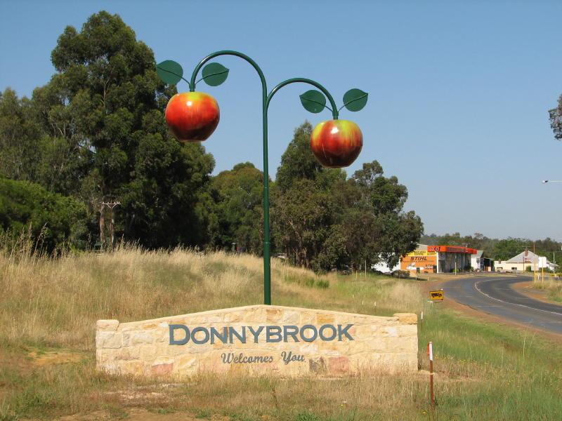 Donnybrook, Western Australia - Howling Pixel