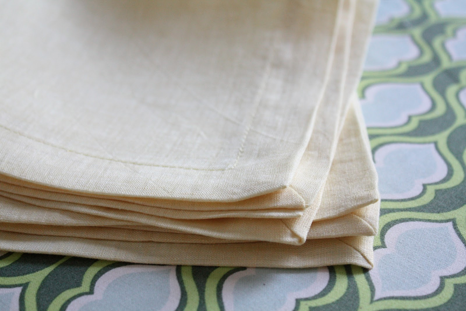 Nicole at Home: Miter-cornered napkins, two ways