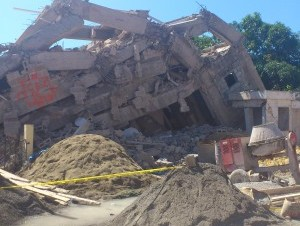 Edificio colapsado en Ensanche Ozama no tenía permisos de construcción
