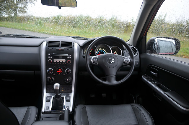 Suzuki Grand Vitara interior