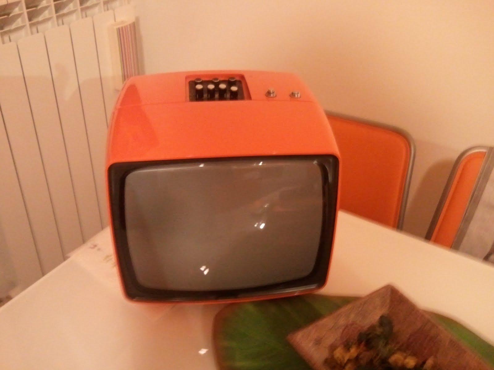 Non solo excel far funzionare un vecchio televisore - Cavo antenna tv piatto per porta finestra ...