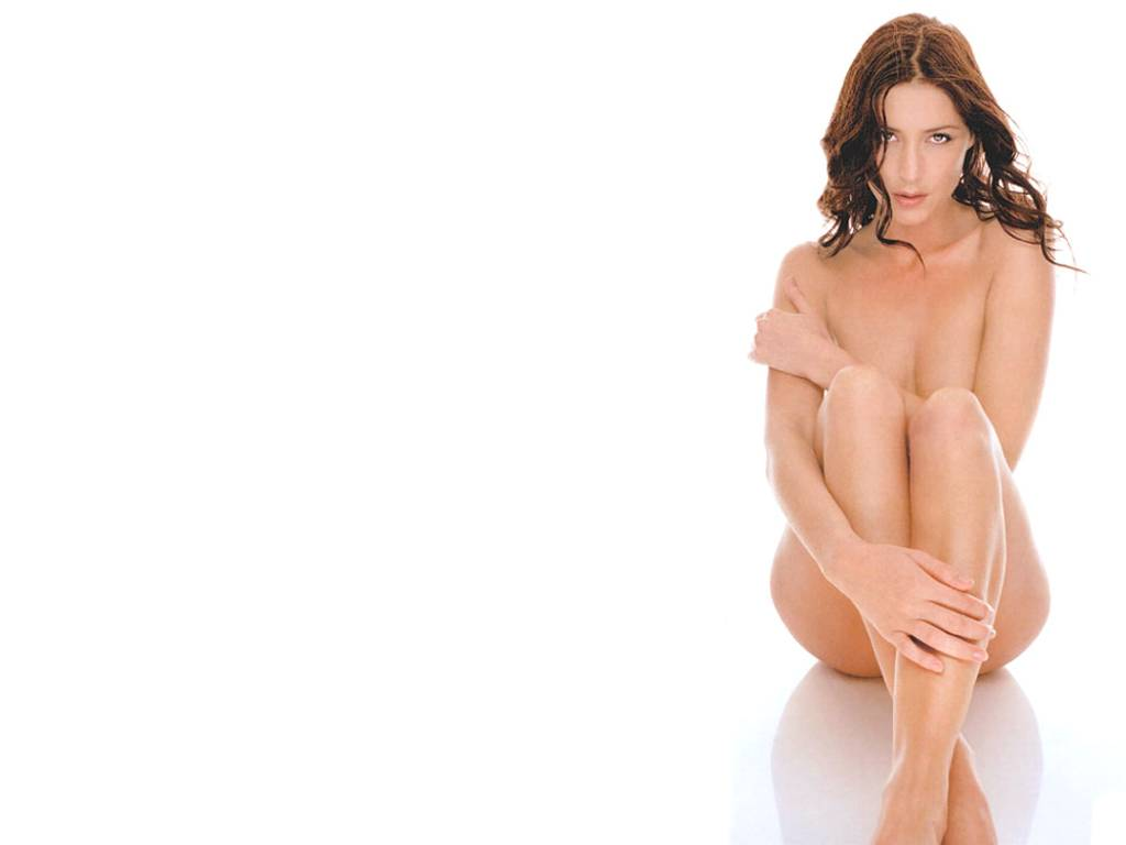 Labels: Lisa Snowdon