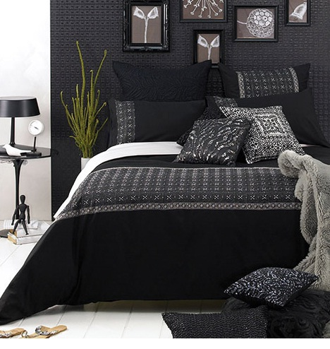 House designs small bedroom decorating the combination black and white - Dark bedroom designs ...