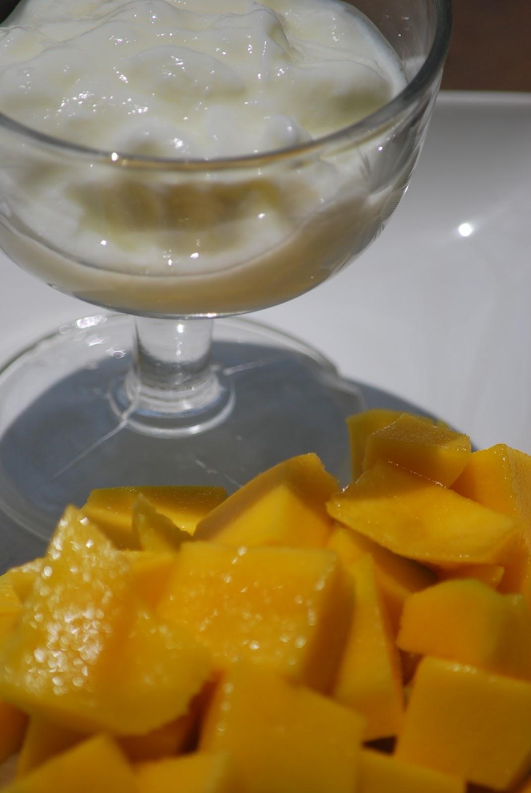 how to make a basic mango smoothie