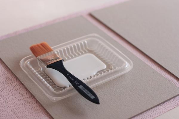 · carpeta portapapeles · Ro Guaraz · 06 · pegamento con pincel