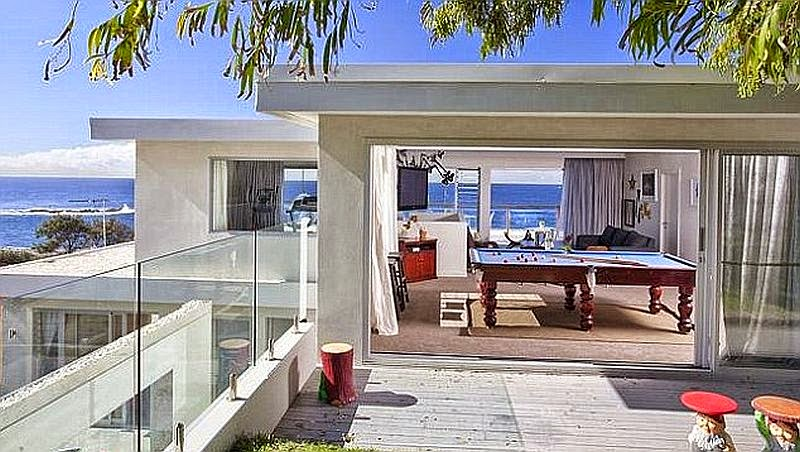 Kylie Minogue is hoping to make a profit with a price $7 Million that include a beauty entertaining of a poolside, a wonderful multi level property, and great house with the stunning views to the ocean.