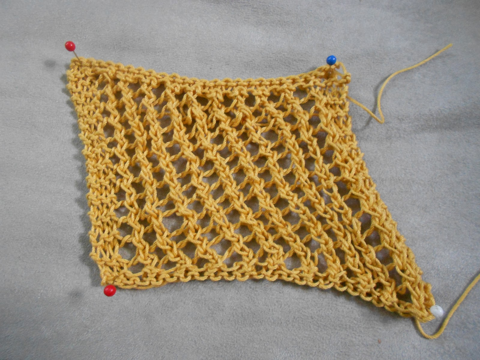 Knit Mesh Stitch In The Round : Blue Betty: Stitch Guide: Left Leaning Mesh
