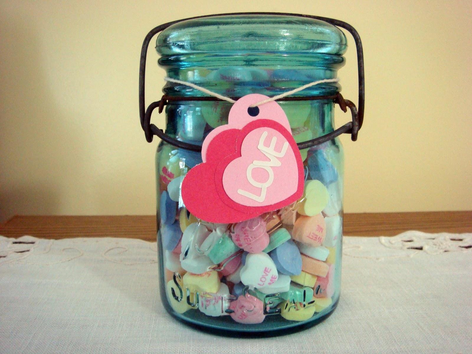 http://4.bp.blogspot.com/-Lc4cjF64I20/TcuV70v2kEI/AAAAAAAAAOw/8zeu5IEsgJU/s1600/Candy+Hearts+Jar.jpg