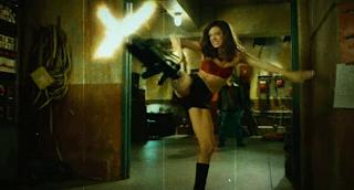 Grindhouse: planet terror, ragazza con fucile