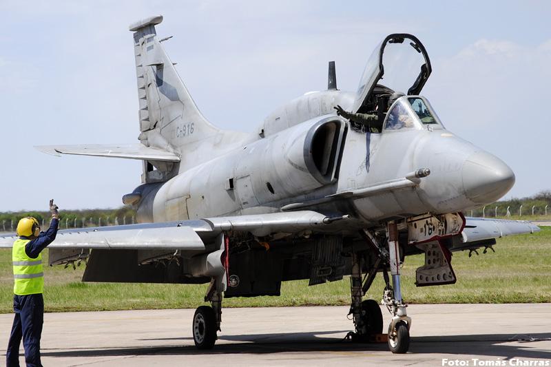 A-4 AR en la V Brigada Aerea -spotting- TC_10572editadaforo