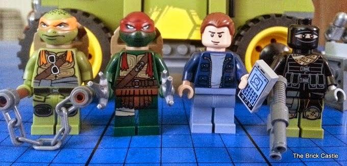 LEGO TMNT Turtle Van Takedown Set 79115 Review Minifigures