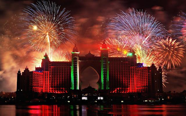 Fuegos Artificiales en la Ciudad de Dubái
