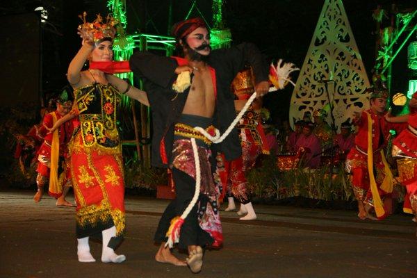 Parade budaya Jawa Timur 2015