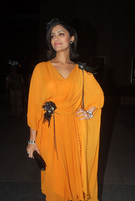 mamata mohandas sizzles at india filmfare awards actress pics