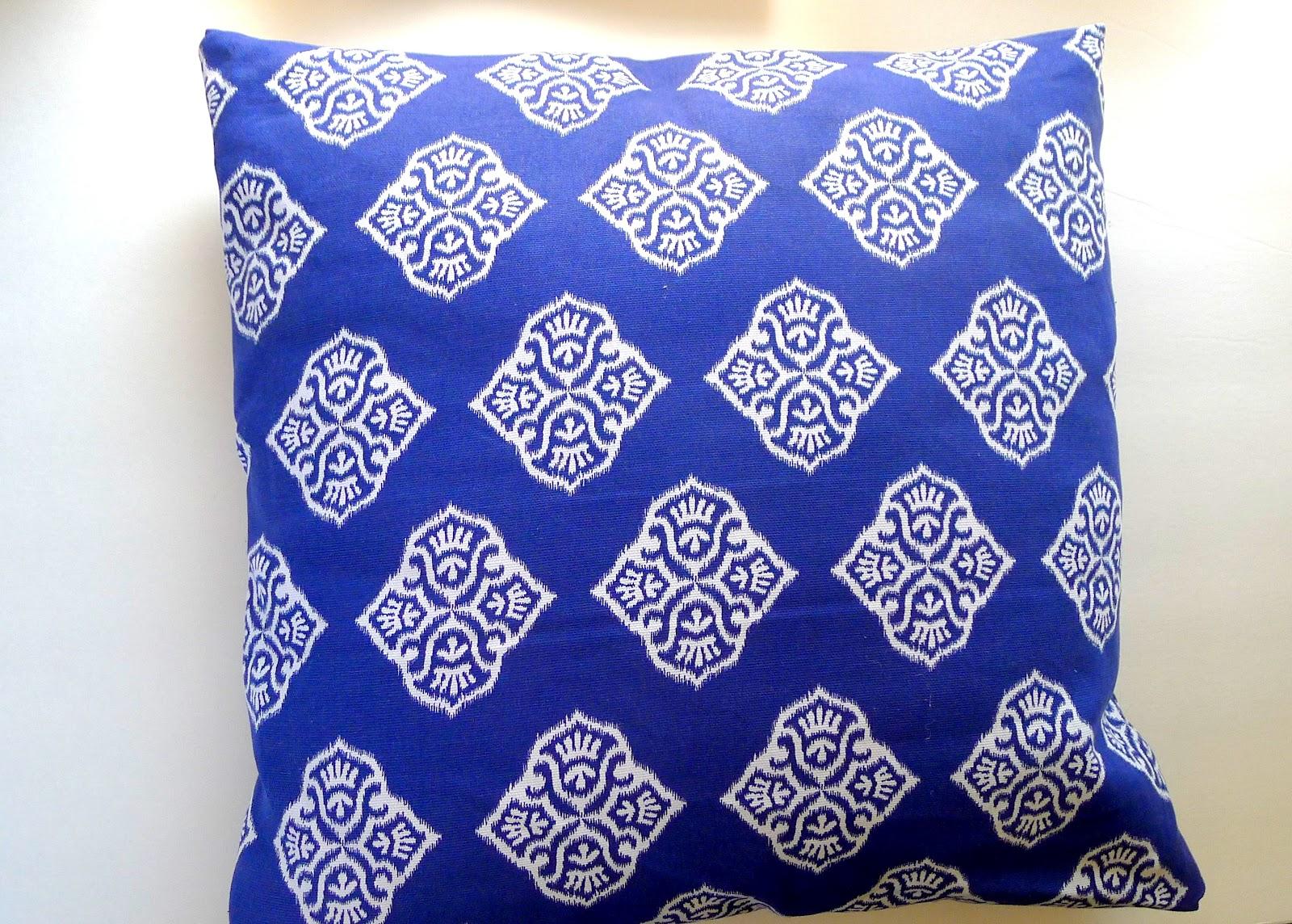 Silver Pencils & DIY: No- Sew Pillow pillowsntoast.com