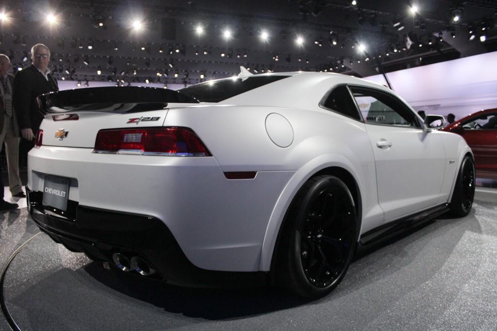 2014 chevy camaro z28 white back side view - Camaro 2014 Z28 Wallpaper