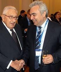 Fatih Birol w Henry Kissinger 2009.