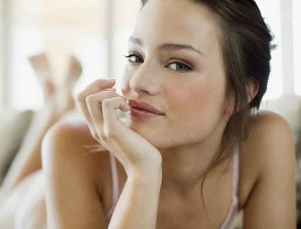 اليك وصفة سحرية كبيعية لتبييض الوجه
