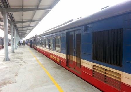 Quy định bán vé điện tử khuyến cáo hành khách phải đến ga lấy vé chậm nhất là 4 tiếng trước khi tàu chạy