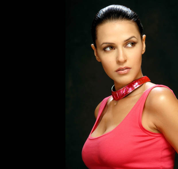 busy neha dhupia photo