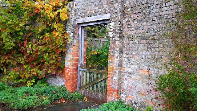 Project 365 2015 day 300 - Avebury Manor House // 76sunflowers