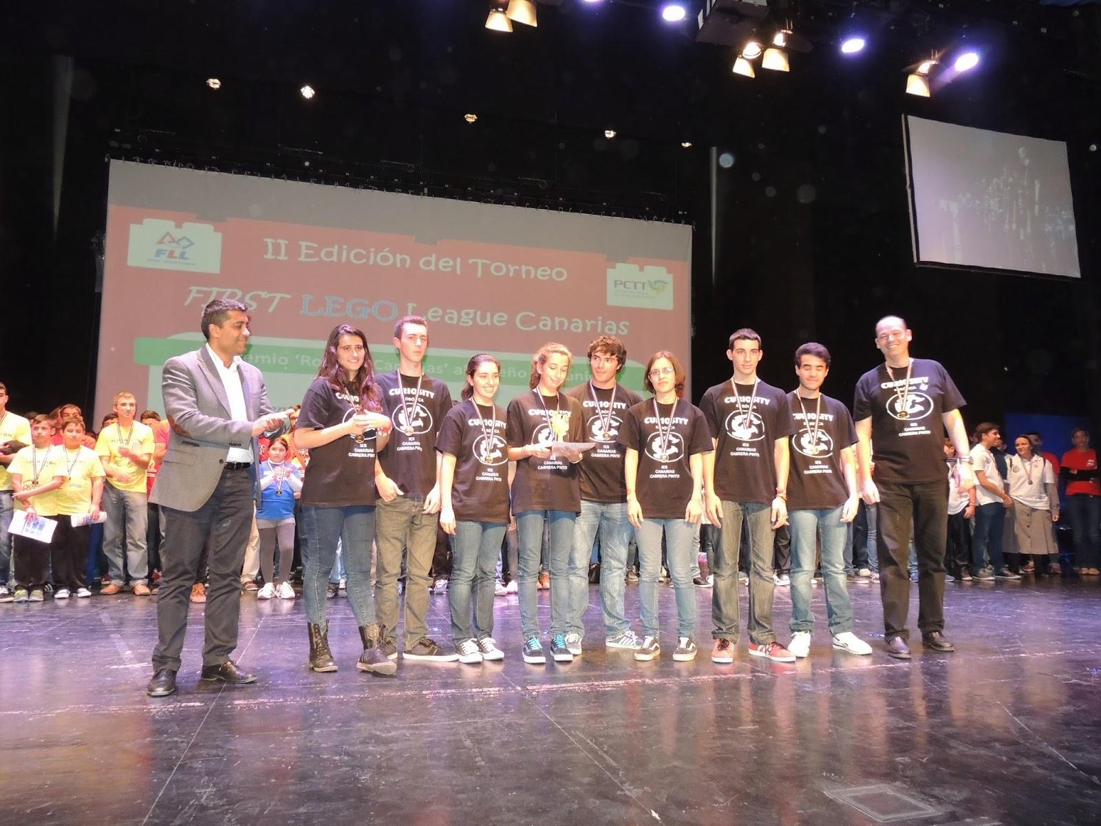 Director  ROBOTIX Canarias entrega  Premio Robotix Canarias