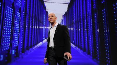 (CNN) — Con el fallecimiento de Steve Jobs a principios de este mes, la industria de la tecnología perdió a uno de sus iconos más venerados. Entonces, ¿a quién recurrirá la industria en busca de inspiración ahora que Jobs se ha ido? El nuevo presidente ejecutivo de Apple, Tim Cook, mantendrá el negocio avanzando, pero es poco probable que inspire el mismo tipo de devoción que Jobs. El líder de Facebook, Mark Zuckerberg, tiene carisma, pero él y su empresa son todavía demasiado jóvenes e inexpertos. En Google, Larry Page es demasiado torpe y Eric Schmidt es demasiado pulido, y