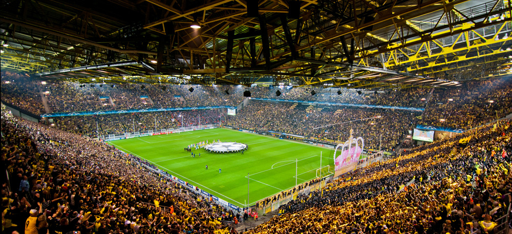 borussia dortmund evacuates stadium after wwii bomb found kickbola blogspot soccer online news. Black Bedroom Furniture Sets. Home Design Ideas