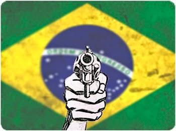 As ruas e todas as áreas das grandes cidades de nosso Brasil estão totalmente tomadas por vilões que se acham o dono do pedaço. Vivemos em um País em que o Bandido tem maior valor do que eu e você. Somos reféns dos Bandidos e da Política que governam nosso País.