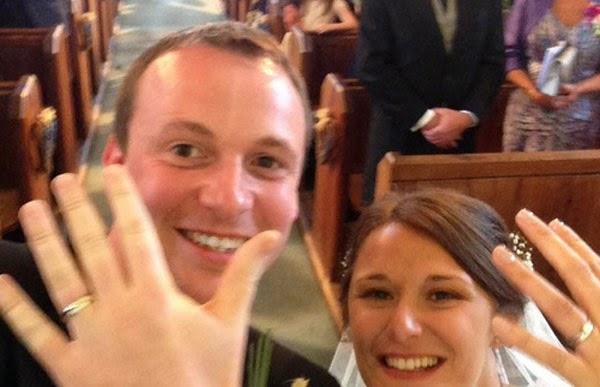 Gambar kahwin menang Anugerah Selfie Dunia