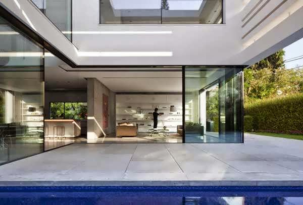 Minimalist Glass With Geometric House Design With Light