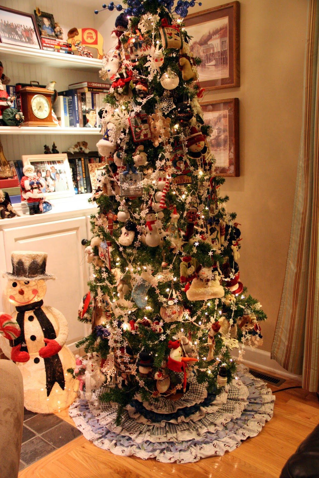 Priscillas: Another no sew tree skirt