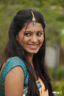 Deepa+Sannidhi+Photos+%281%29.jpg