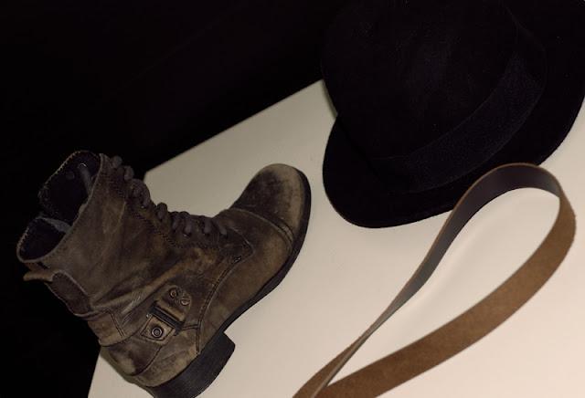 old, shoes, brown, river, island, black, hat, h&m